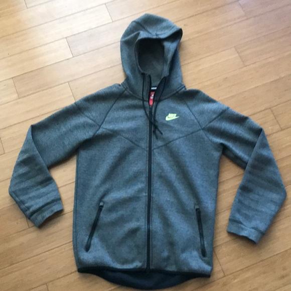 bcf868ece802 Nike sportswear tech fleece windrunner. M 5ae3bd153316278820409ce9
